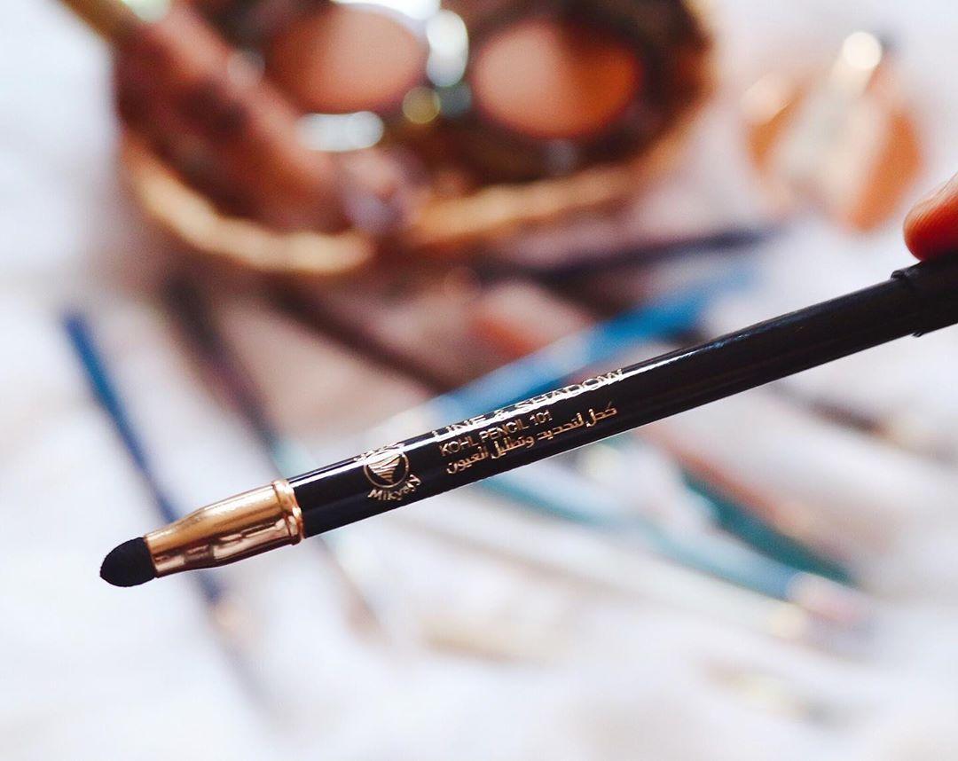 2 M A V E N S I S T E R S On Instagram وصلنا مجموعه كحل تحديد وتظليل العيون بعده الون جديده وهي الأفضل مبيعا حبينا كيف انها سهله في دمج وثابته ش In 2020 Beauty Pen