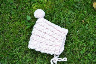 Palmikkoa pikkuprinsessalle. Satunnaisesti puikoilla - käsityöblogi. #neulonta
