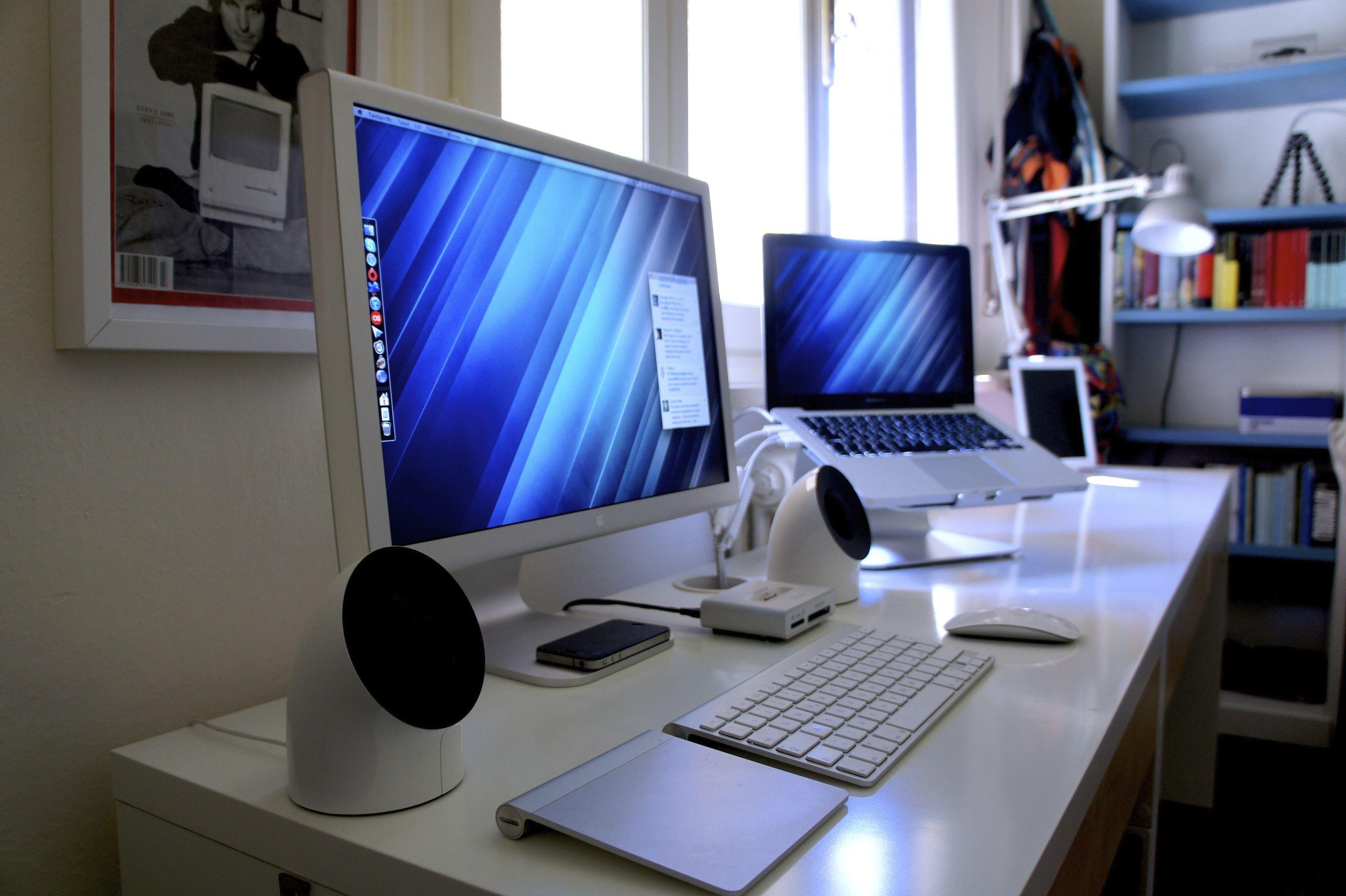 stylish office desk setup. Snazzy Dual Screen Laptop Setup. Mac DeskDesk SetupComputer SetupStylish OfficeWhite Stylish Office Desk Setup L