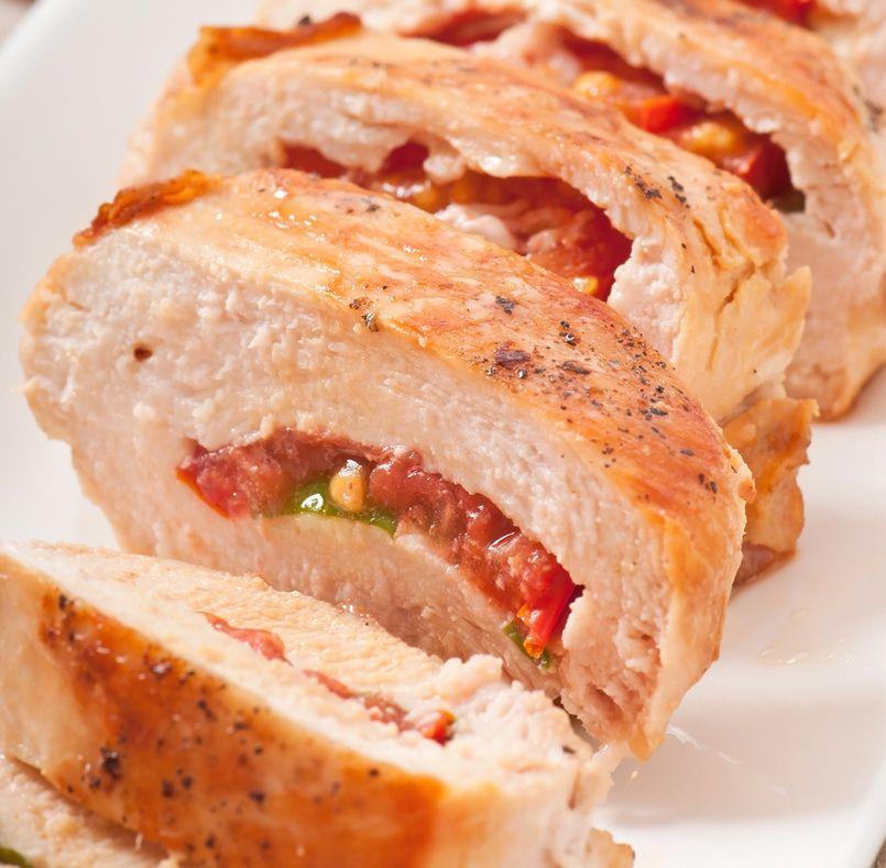 Pechugas de pollo rellenas de salsa de tomate y al - Pechugas de pollo al horno ...