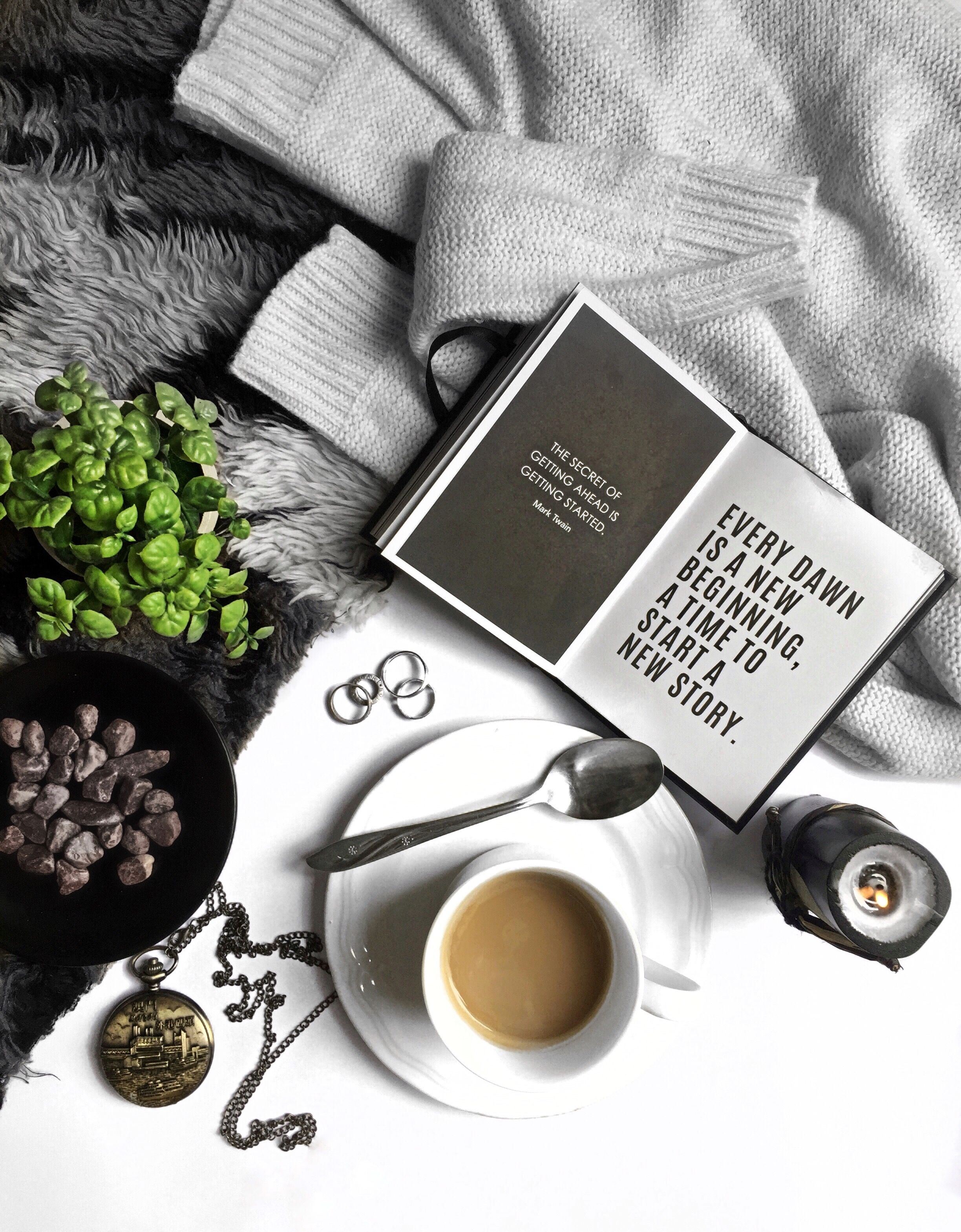 If You Are The Author Of This Photo Or You Can Help Find It Please Let Me Know Instagram Inspiration Posts Coffee And Books Coffee Photography