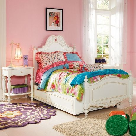 We love how this room feels like spring! #girls #room #bedbroom #furniture