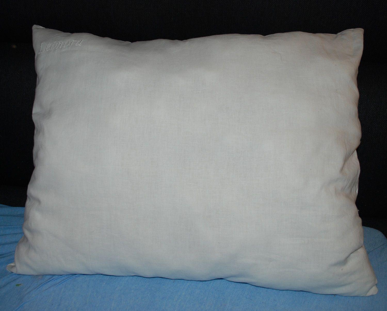 Pellava tyyny jossa villatäyte, Leonora