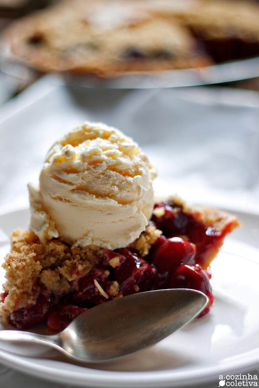 A Cozinha Coletiva: Torta Crumble especial de Cerejas