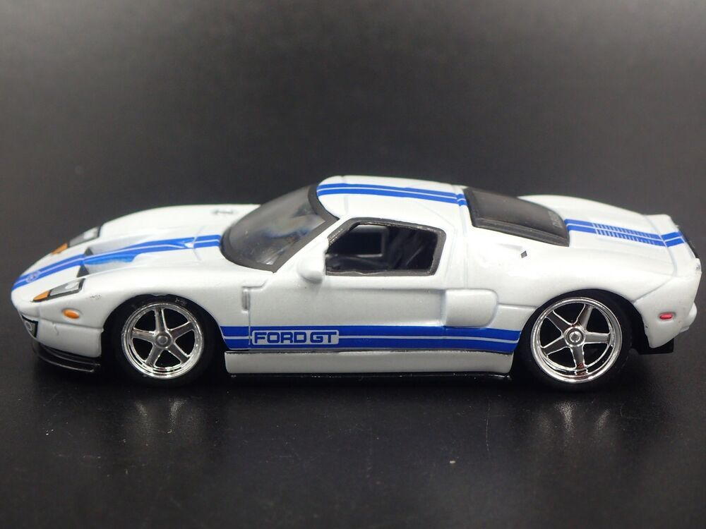 2005 2006 Ford Gt Rare 1 64 Scale Limited Collectible Diorama