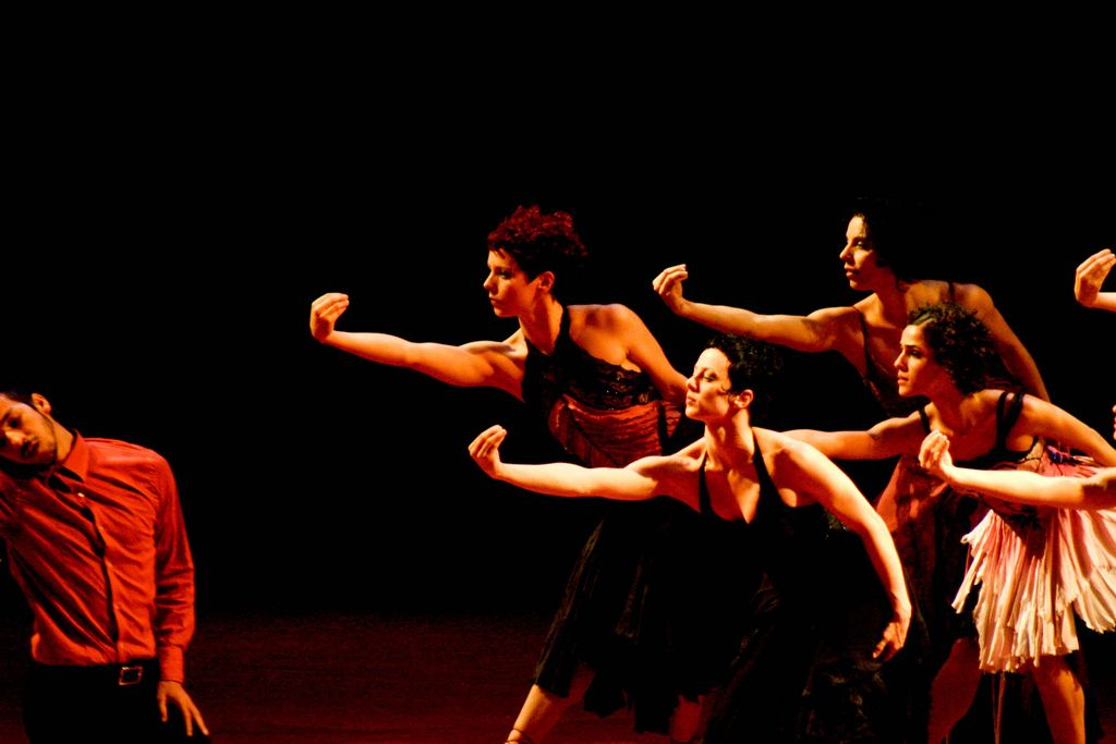 File:Cia de Dança Deborah Colker.jpg