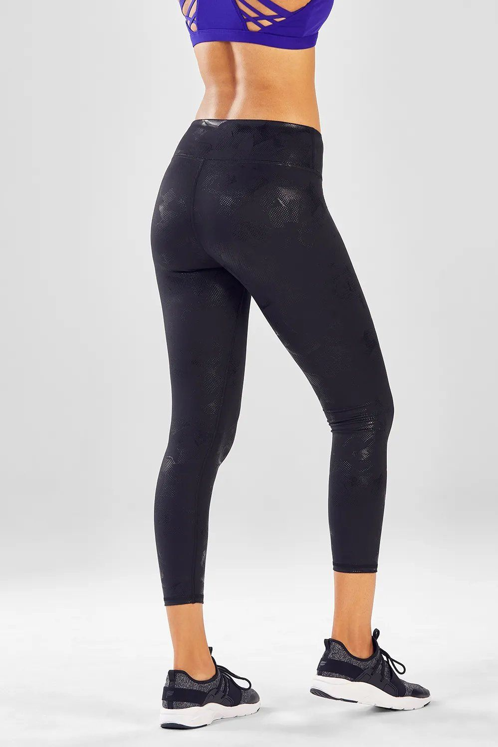 6c016cd1bb82f Make every move easier in our best-selling bottoms. These leggings have  moisture-resistant features and cropped length which are ideal for all  workouts.
