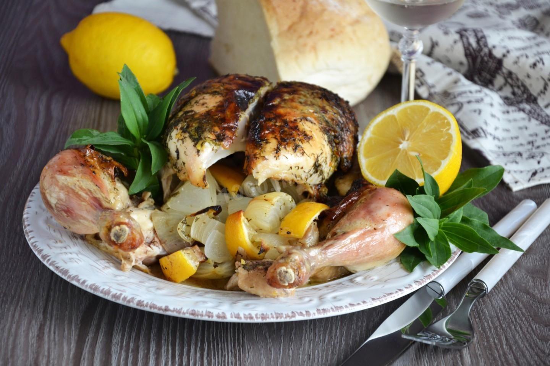 Курица с лимоном в духовке целиком | Рецепт (с ...