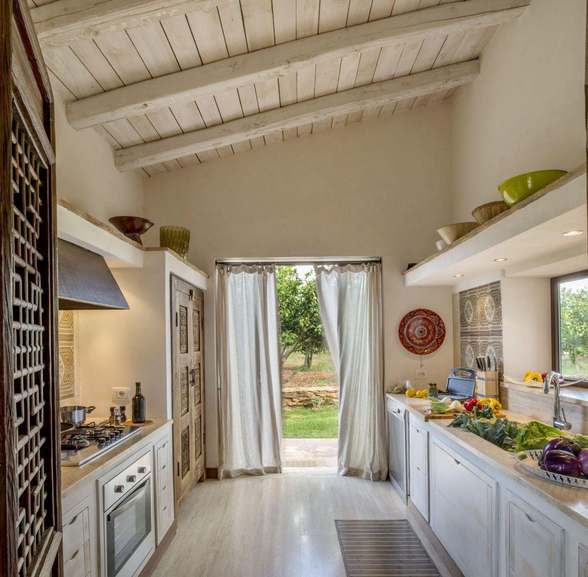 Italian Villa Kitchen Design