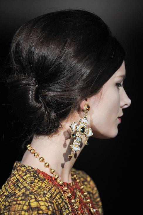 Dolce & Gabbana Fall 2013 Ready-to-Wear Detail - Dolce & Gabbana Ready-to-Wear Collection - ELLE