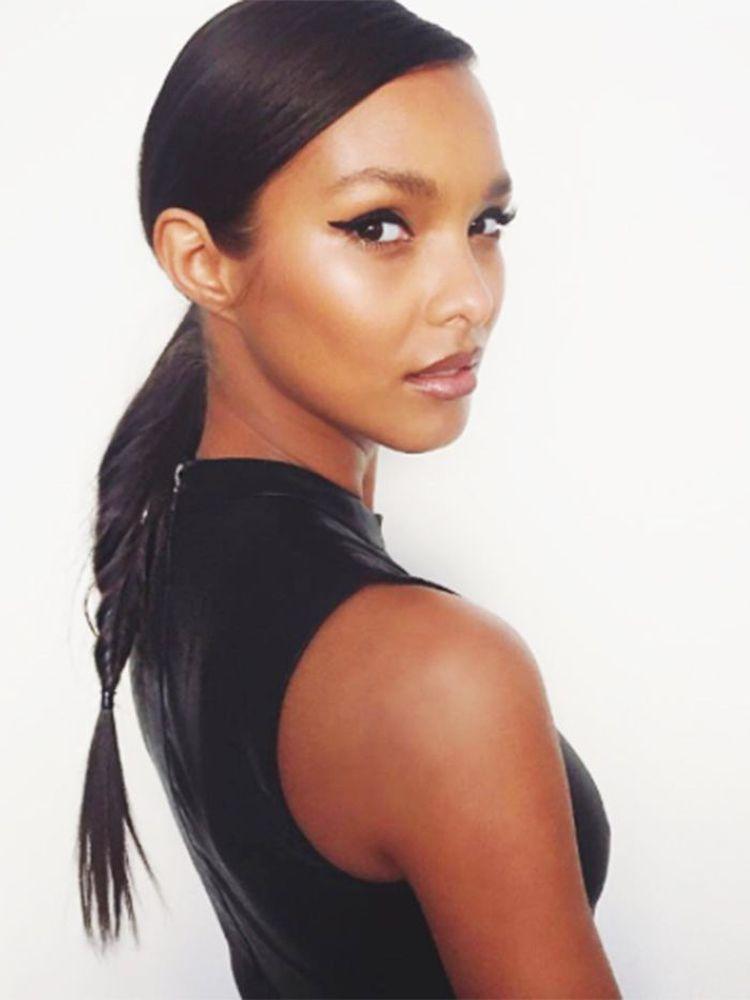 12 honestly easy hairstyles for mediumlength hair hair