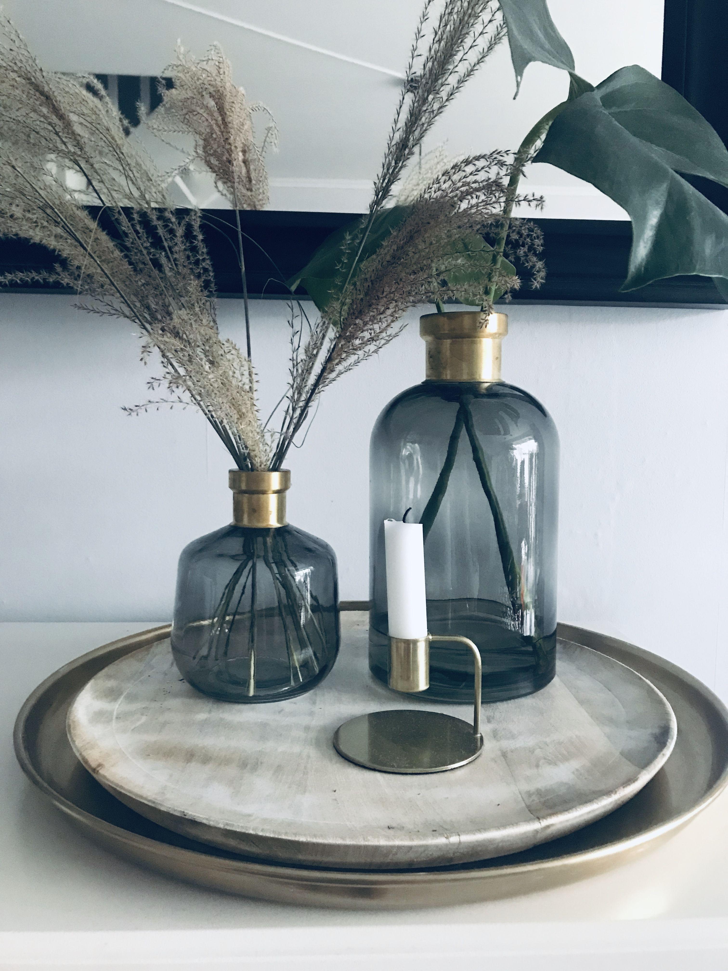 Vasen Set groß und klein, blau mit gold, glasvase, pampasgras, setting