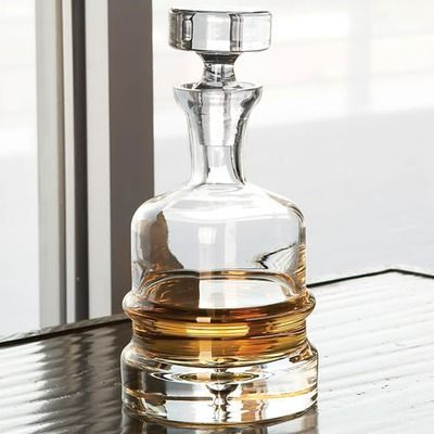 Global Views Traditional Decanter in Clear