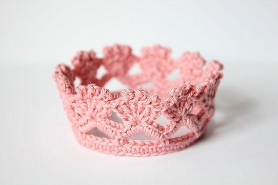 Crochet Crown  Princess Crown  Prince Crown  Photo by pingosdoceu