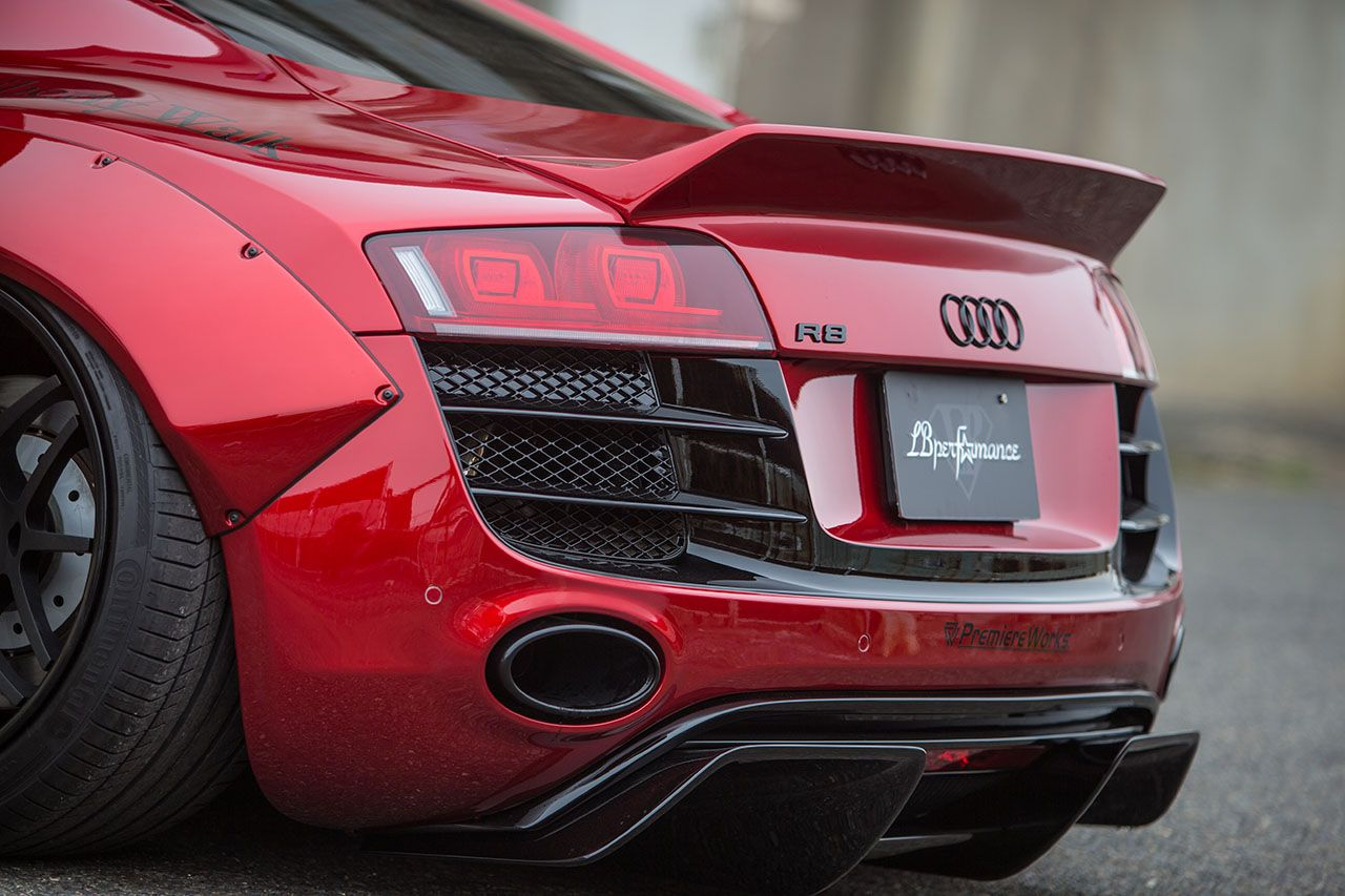 Liberty Walk Body Kit for Audi R8. Rear diffuser details