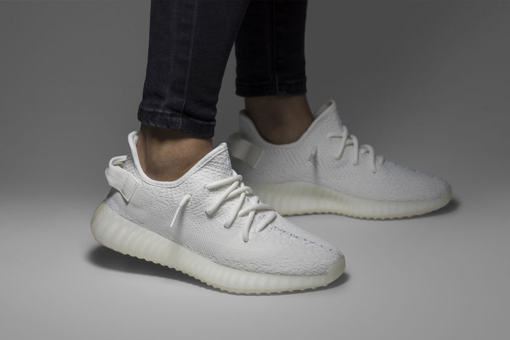 YEEZY BOOST V-2 TRIPLE WHITE   CREAM  Adidas  YEEZYBOOS e694c8fb3