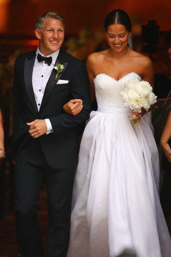 Ana Ivanovic Robe Mariage Decollete En Coeur Hochzeitskleid Hochzeit Hubsche Frau