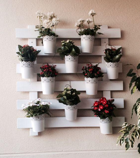 Fioriere da parete fai da te con bancali 20 esempi da cui trarre ispirazione pallets gardens and balconies