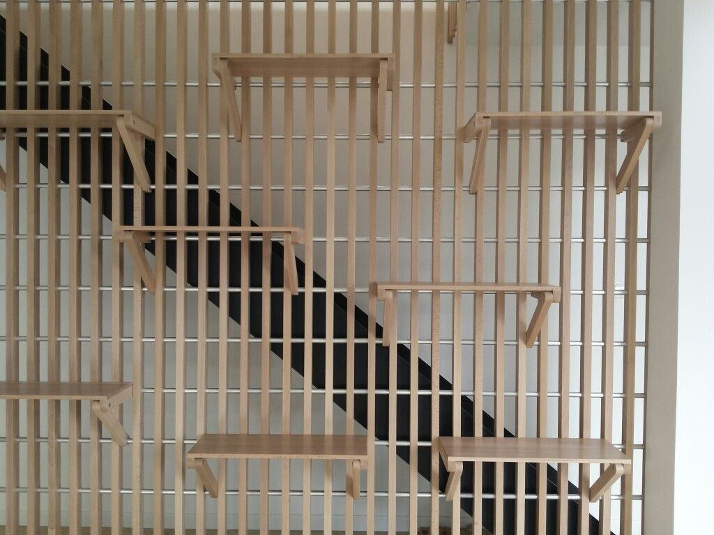Bibliothèque garde-corps escalier conçue par Alexandre Pain