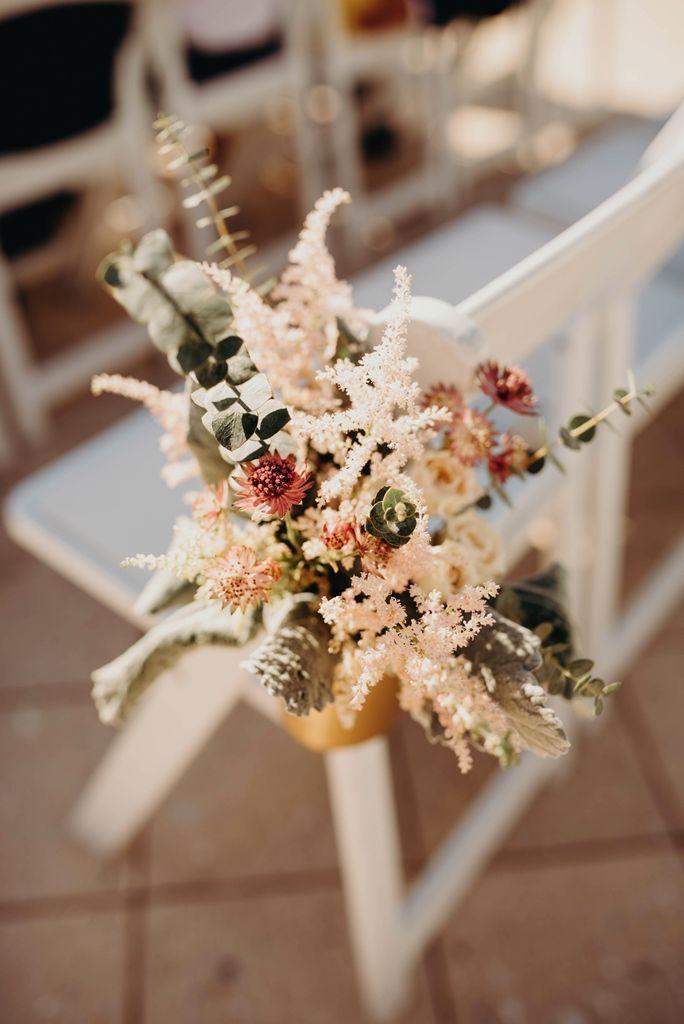 decoracion flores pasillo altar boda