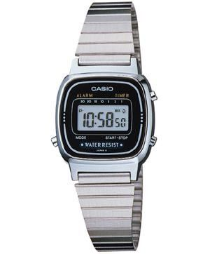 Casio Sport Watch Black Dial Stainless Steel Bracelet - Silver One Size Casio. $19.95. First, the regular timekeeping is categorized in hours, minutes, seconds, AM/PM, month, date and day. Calendar functions are automatic(set at 28 days for February). This attractive timepiece can be used to time and coordinate your busy day in numerous ways. The hallmark feature of this watch is the single-button countdown alarm. You can set a daily alarm, and if you wish an hourly time signal