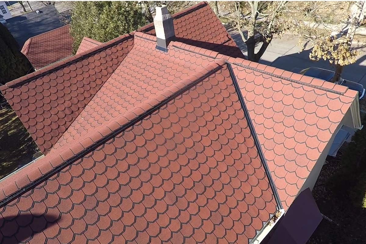 Home Installs New Certainteed S Carriage House Ultra Premium Real Lifetime Shingles Georgian Brick Ridge Roof Roof Coating Aluminum Roof