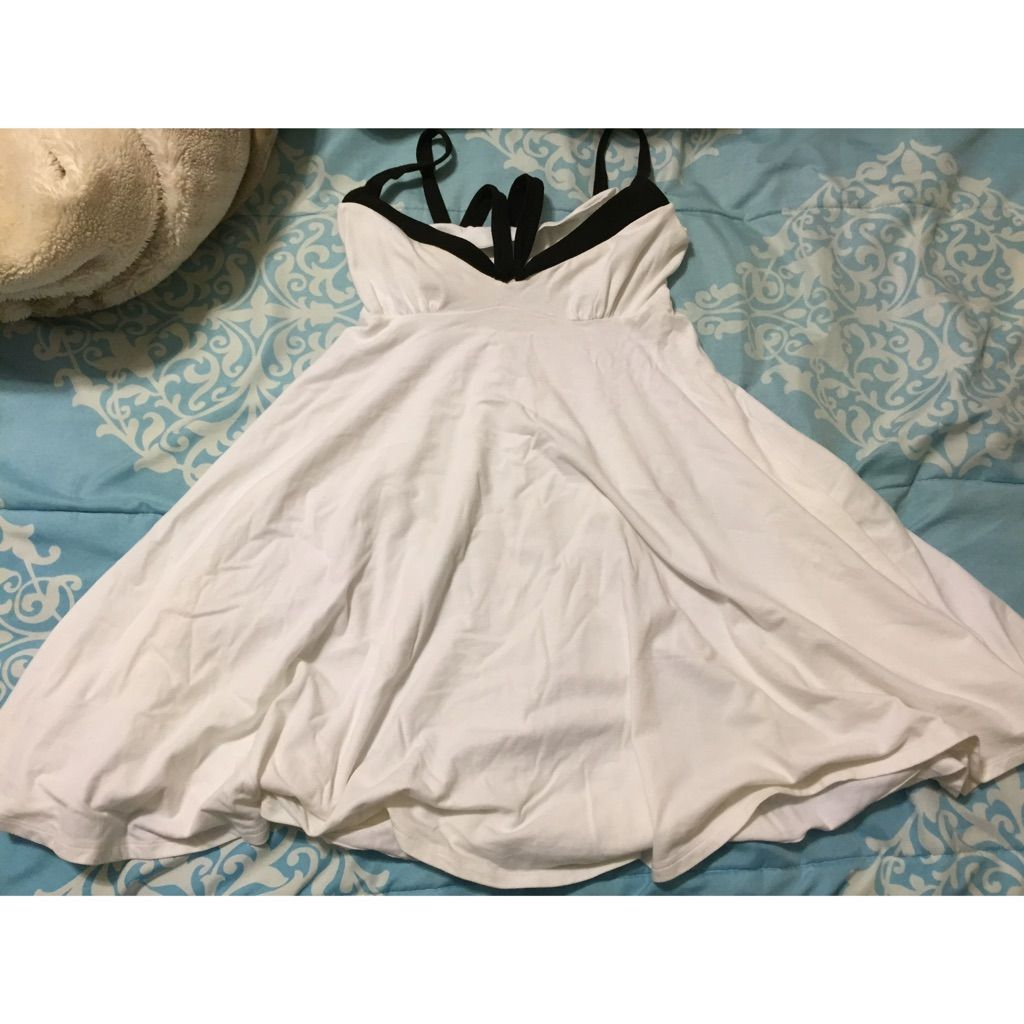 Simple white dress products