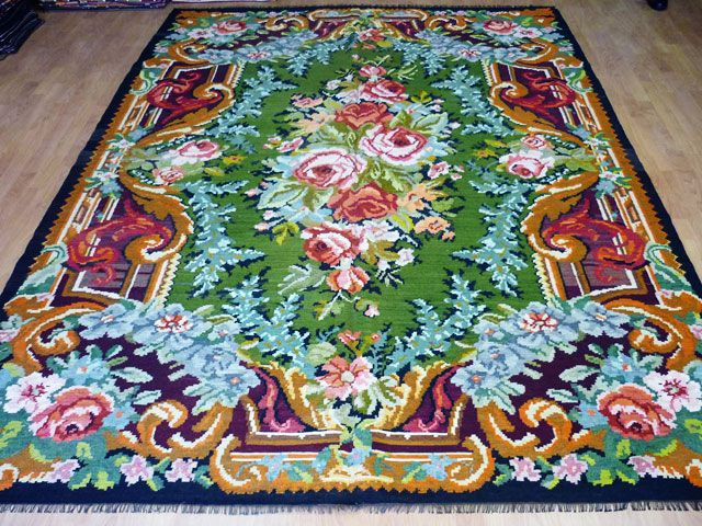 This is one of our favorite kilim rugs!  #kilim #vintagerugs