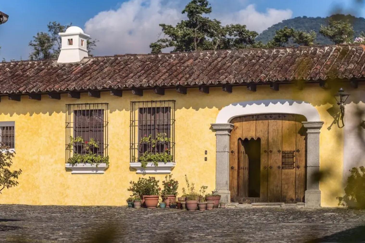 Fachada casa Estilo Colonial Antigua Guatemala Fachada