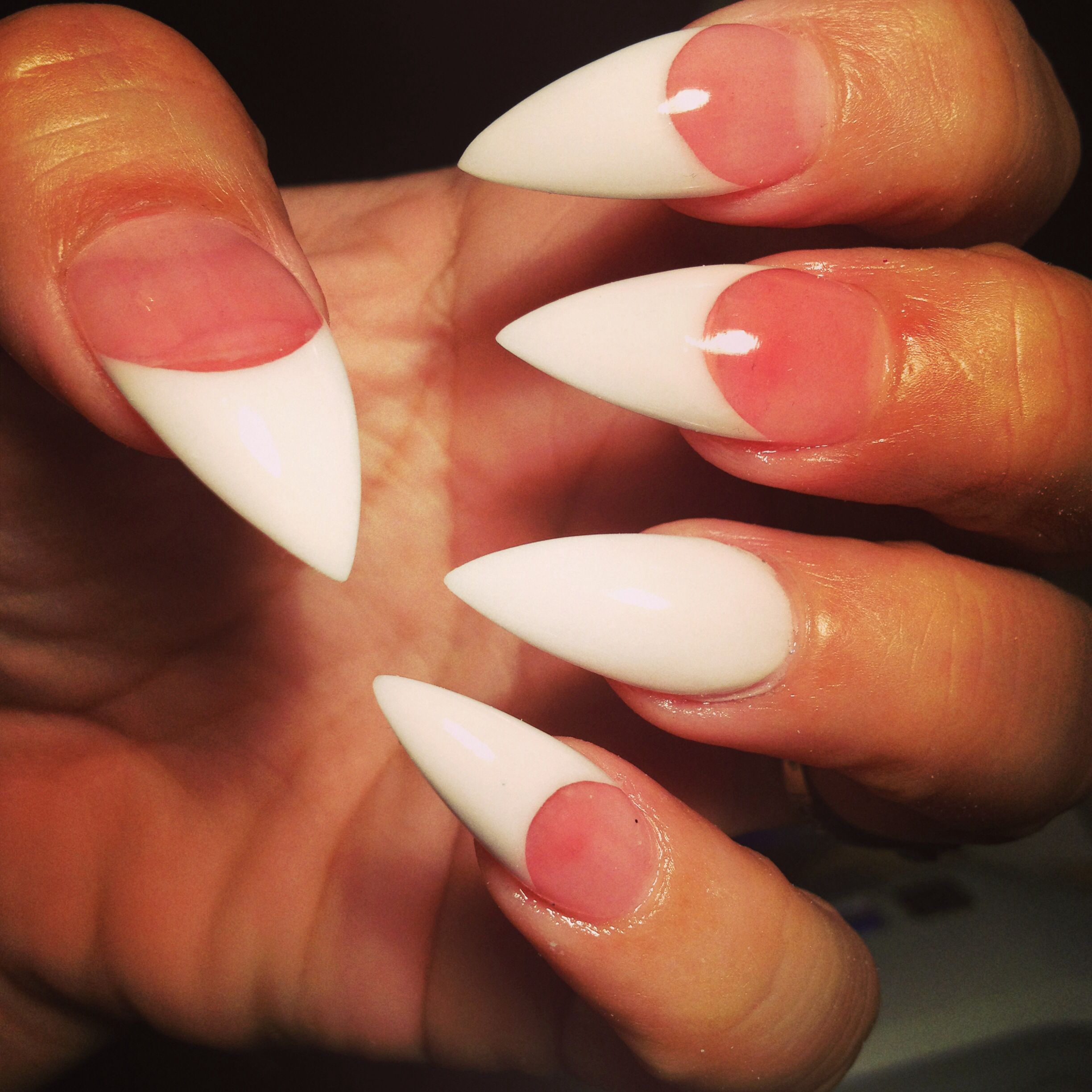 Pink and white Stilettos Stilettos for the hands! Beautiful, nails ...