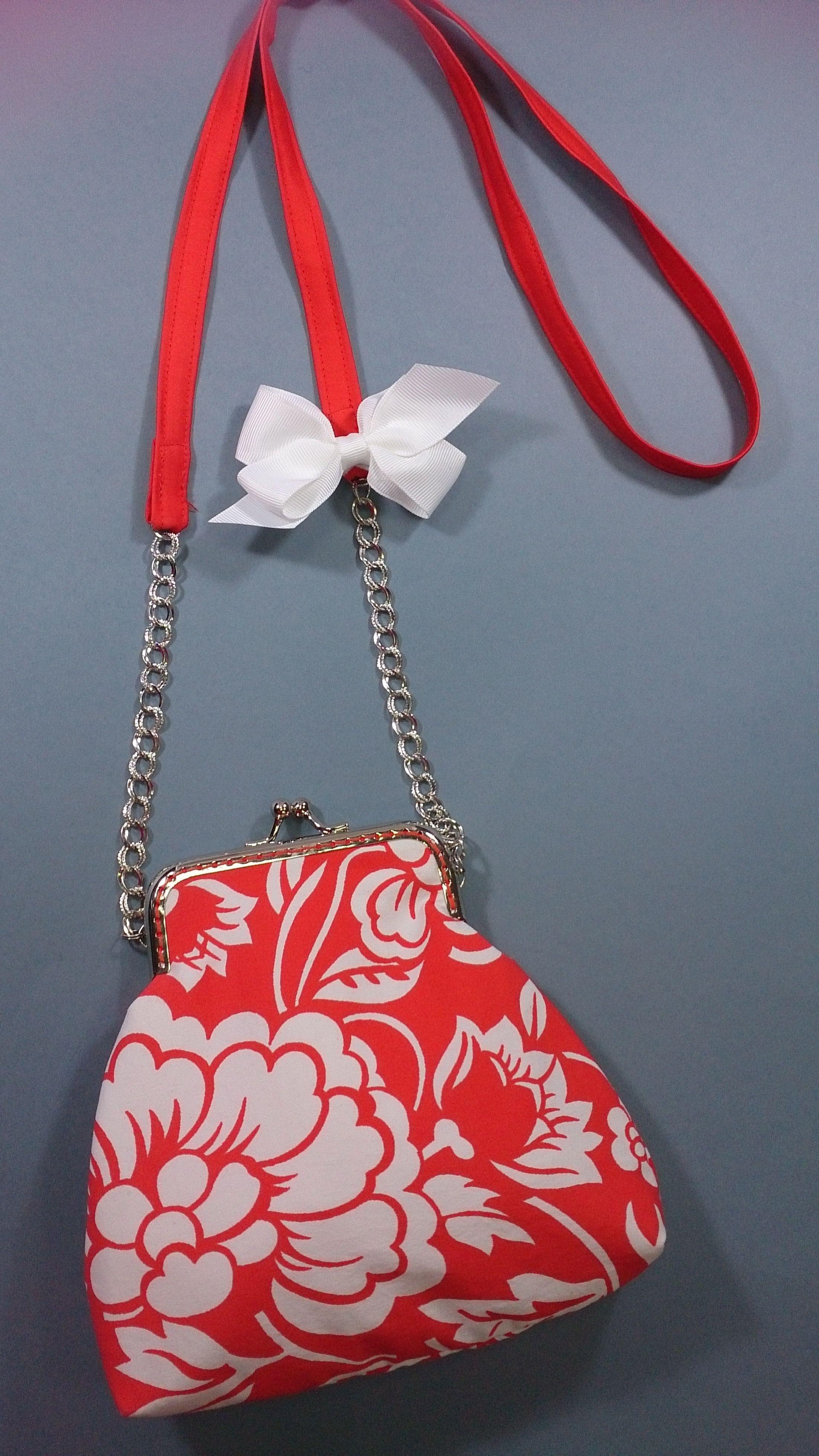 Bolso de boquilla de 11 centímetros con animada tela en color coral