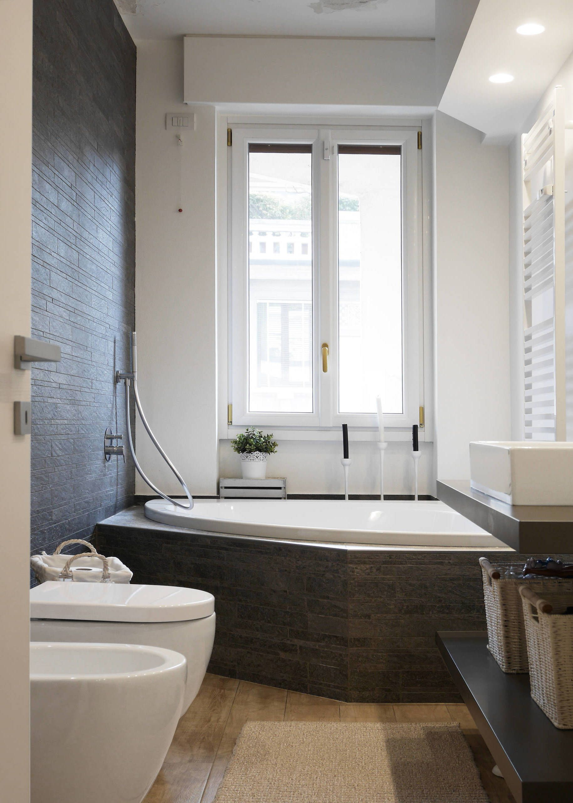 Badewanne mit Dusche Die Lösung für kleine Bäder