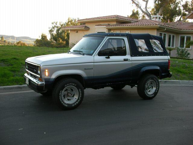 The Sherrod Ford Bronco Ii Bronco Ii Corral Autos Clasicos Autos