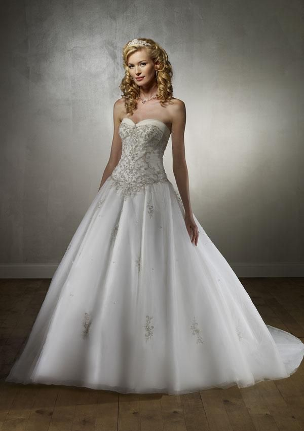sweetheart neckline princess wedding dress