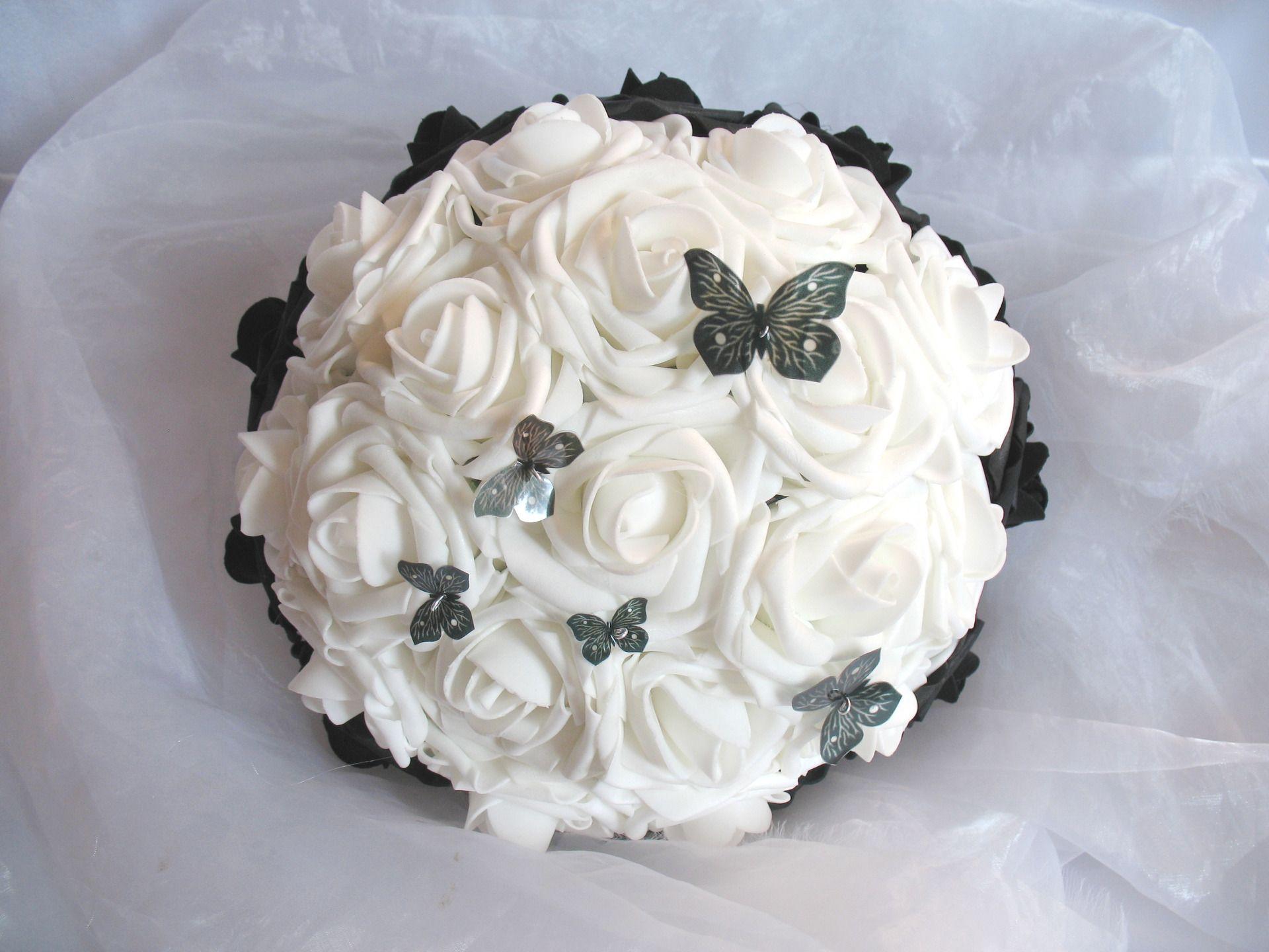 bouquet de mari e fleurs artificielles la mari e chic noir et blanc autres accessoires par les. Black Bedroom Furniture Sets. Home Design Ideas