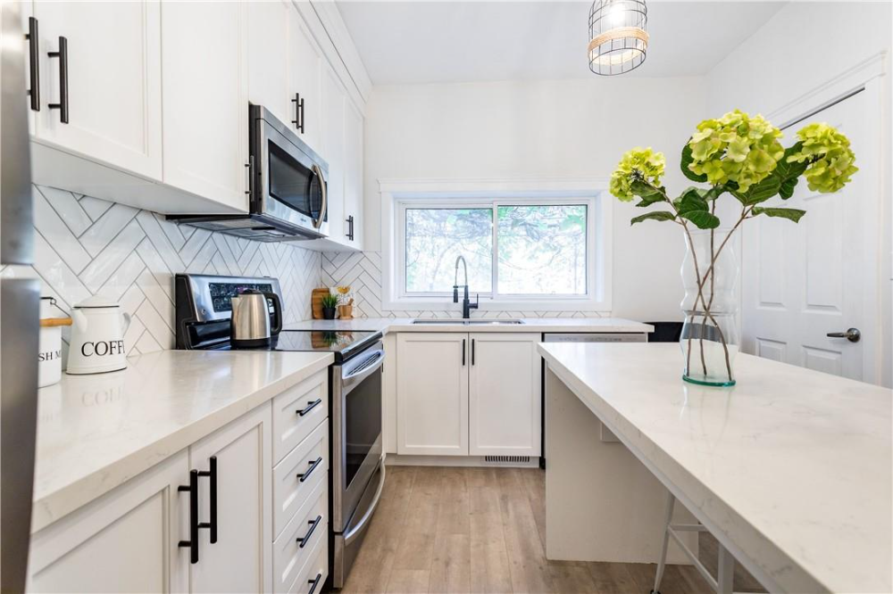 For Sale 123 East Avenue N Hamilton Ontario L8l5h6 H4090761 Realtor Ca Kitchen Cabinets Kitchen Home Decor