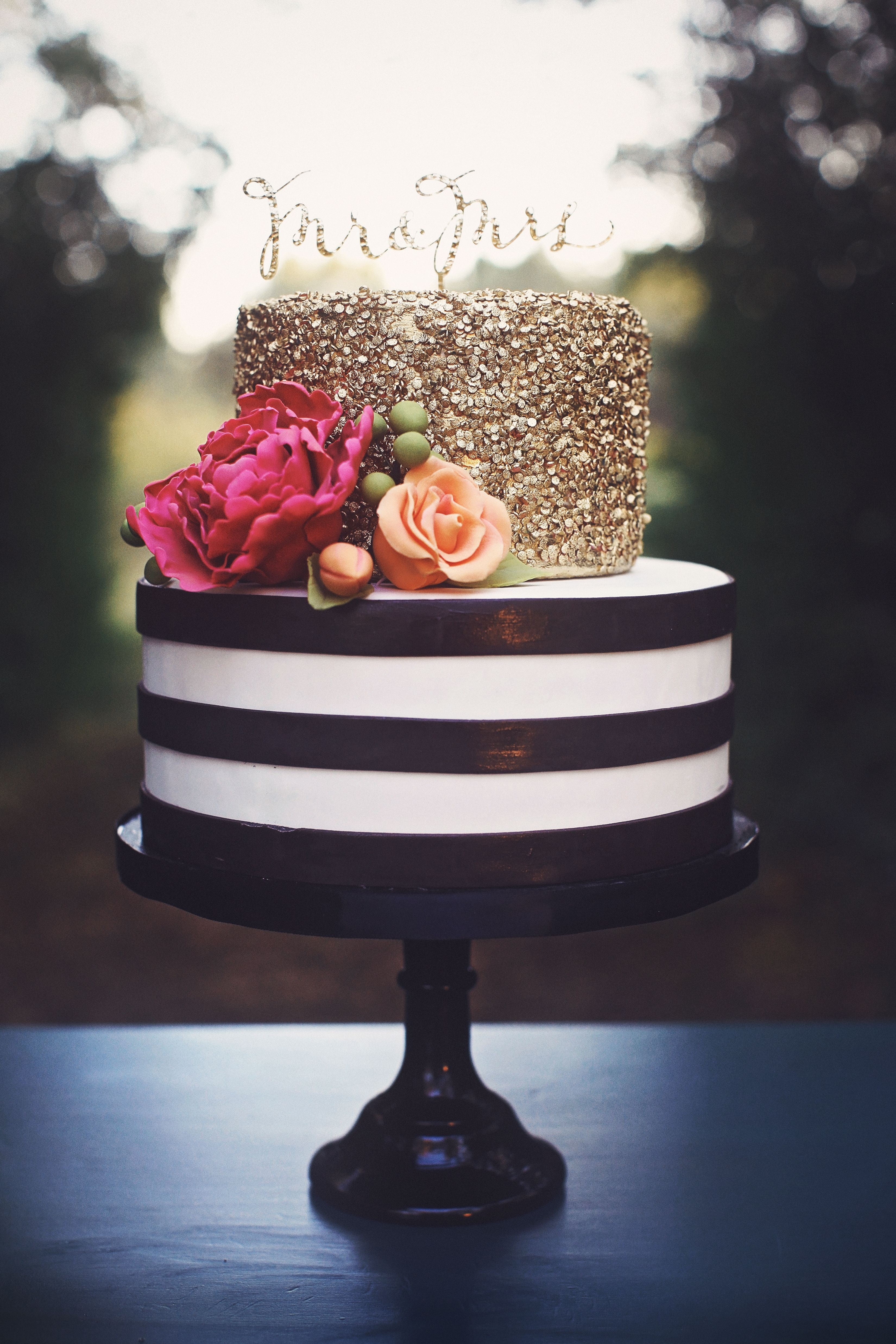 Black White And Gold Cakes