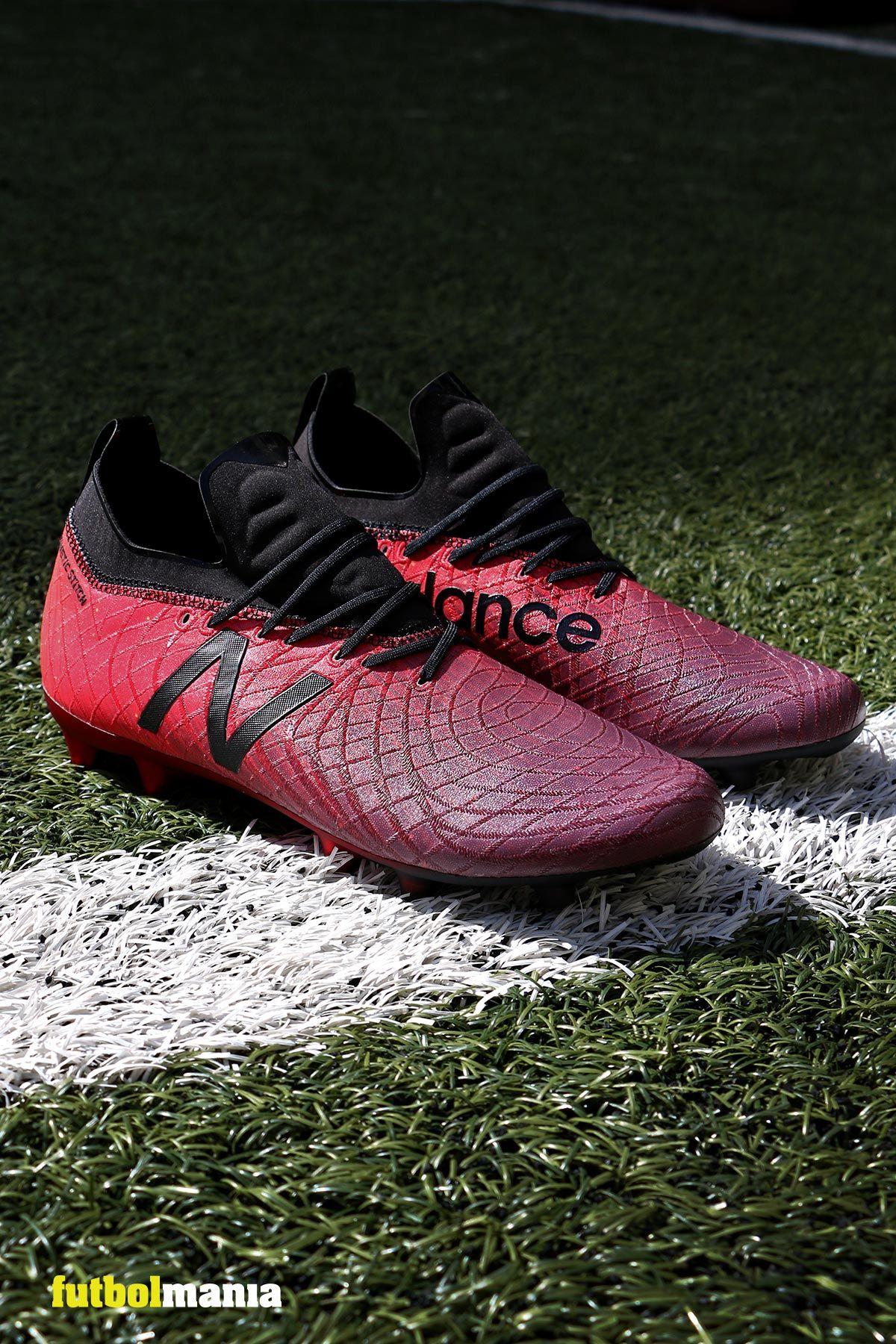 4fa0bbc2c78 Nuevas botas de fútbol con tacos New Balance Tekela. 💥Edición limitada.  Colección Lite Shift. Consíguelas en futbolmania.com o en nuestra tienda  (Ronda ...
