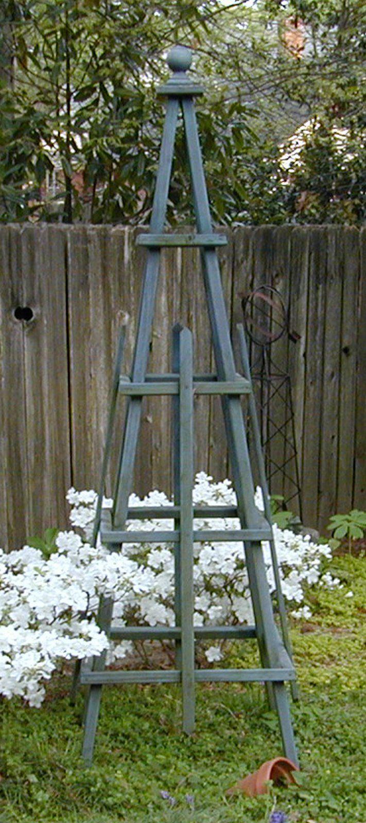Tuteur Garden obelisk, Garden structures