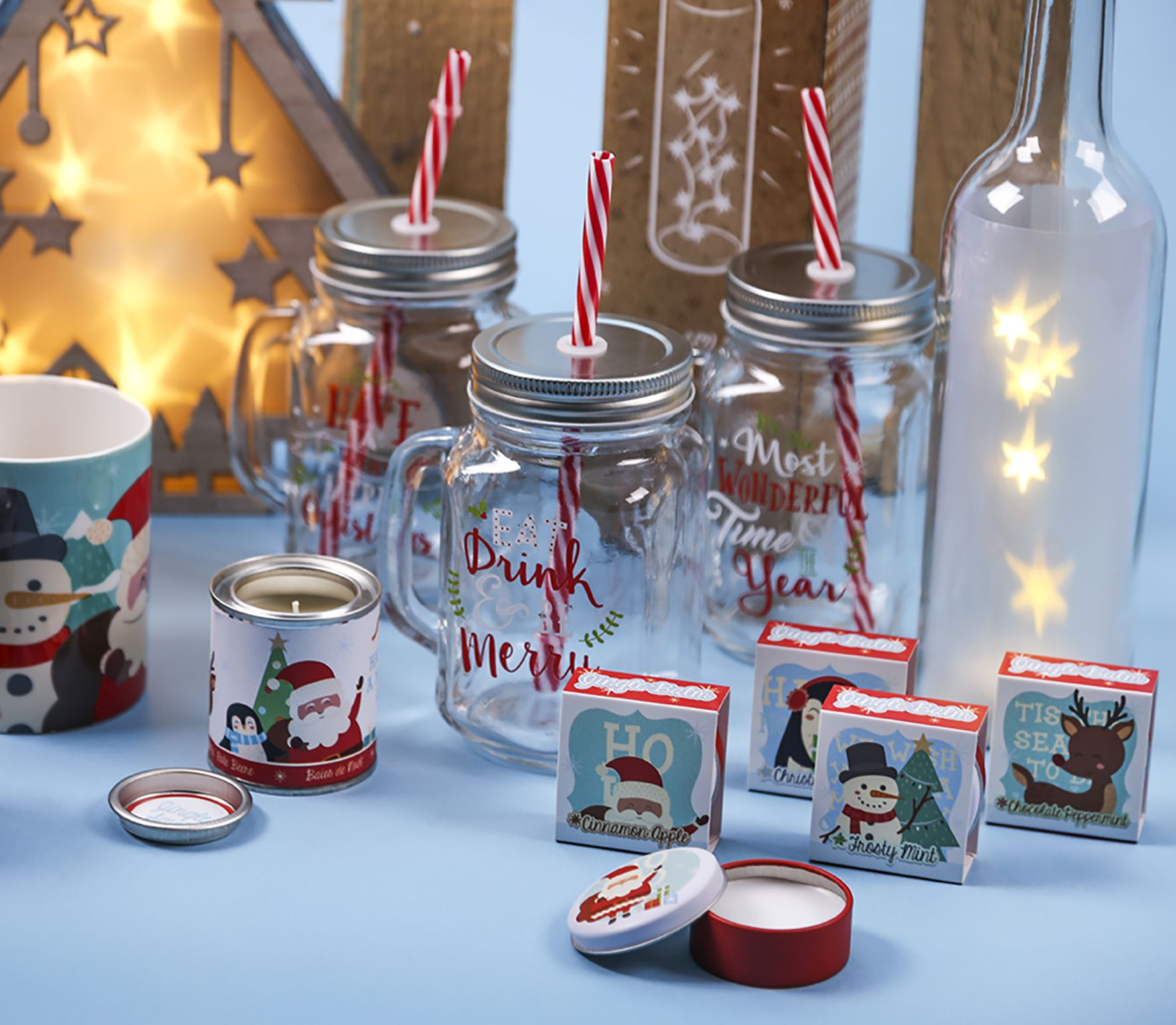 Vánoční doplňky, dekorace, svíčky a balzámy na rty. #vánoce #dekorace #chritmas #homedecor #accessories