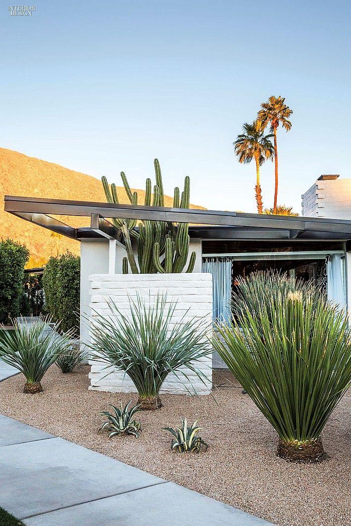 Majestic IndoorOutdoor Retreats Mid century landscaping