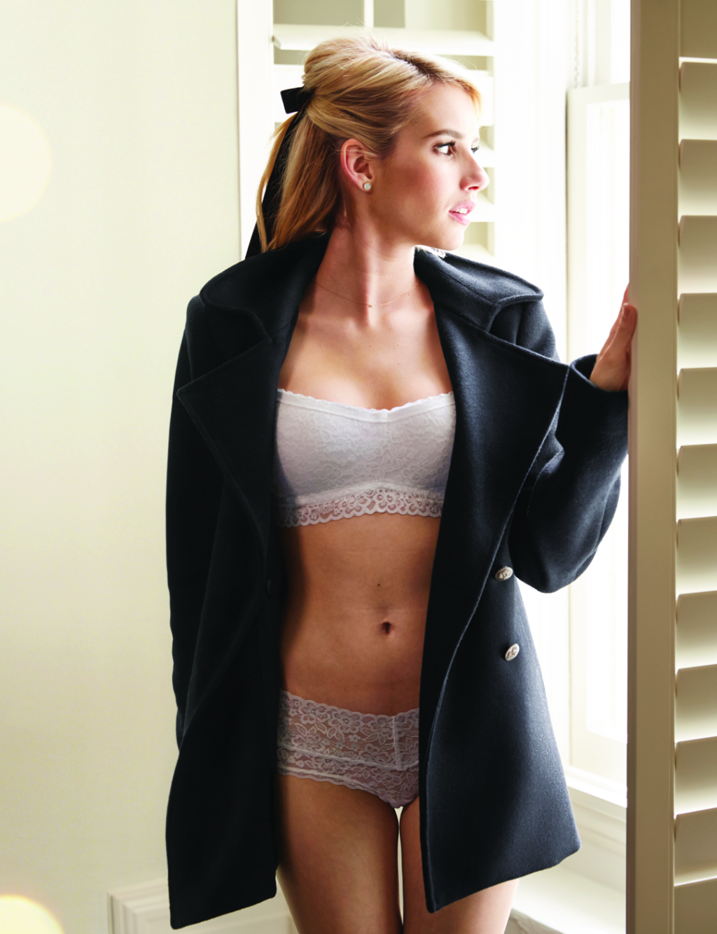 Emma roberts sexy lingerie scene from little italy nude (19 photos), Ass Celebrity picture