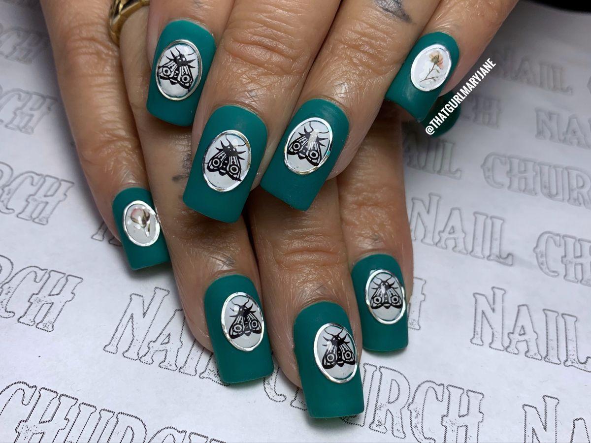 #nails #nailart #nailsofinstagram #moths #antique #naildesigns #nailstagram #nailsonfleek #nailstyle #nailsmagazine #nailedit #nailideas #nailpolishtrends #apres #thegelbottle