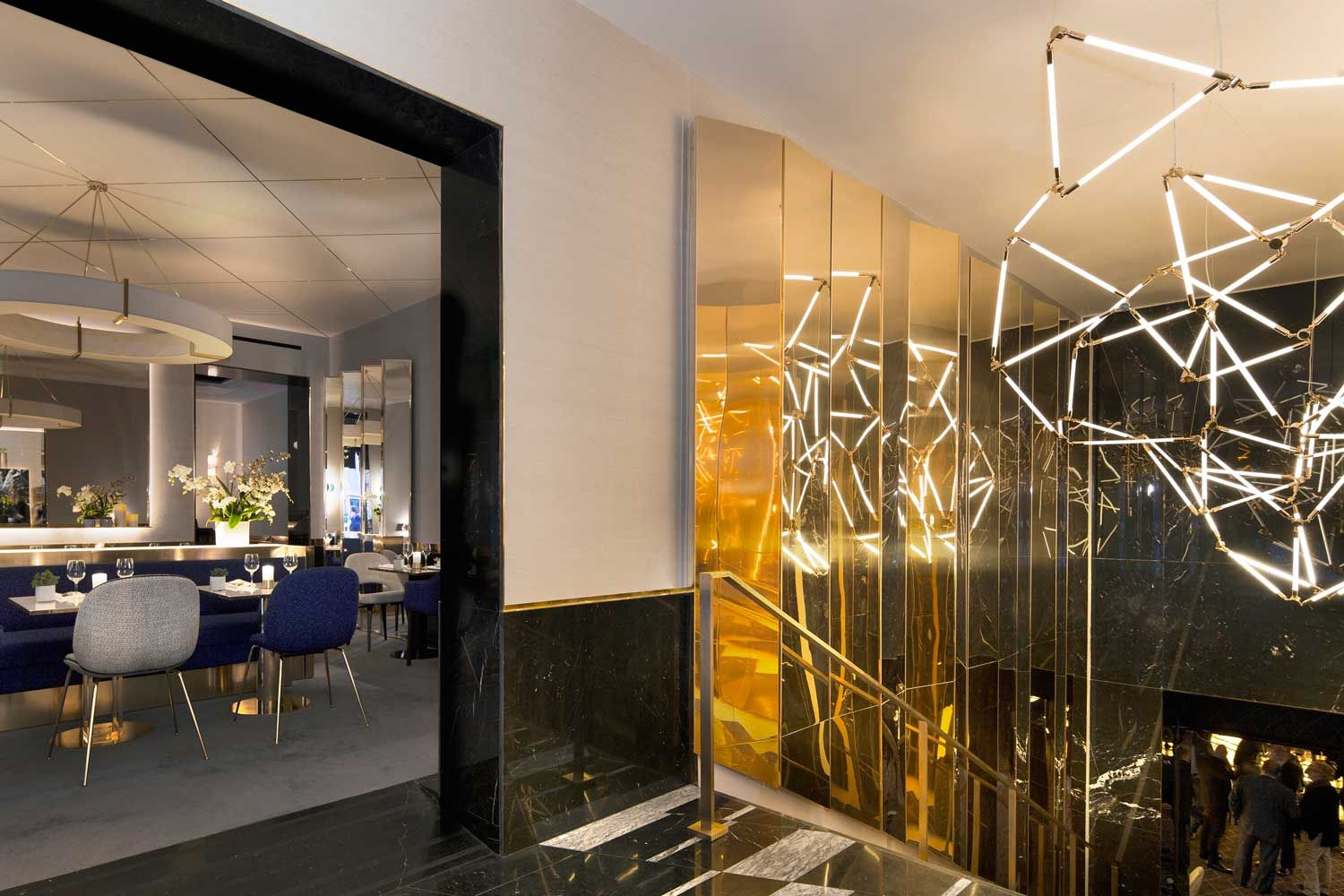hospitality design: visit a paris restaurant with glam style