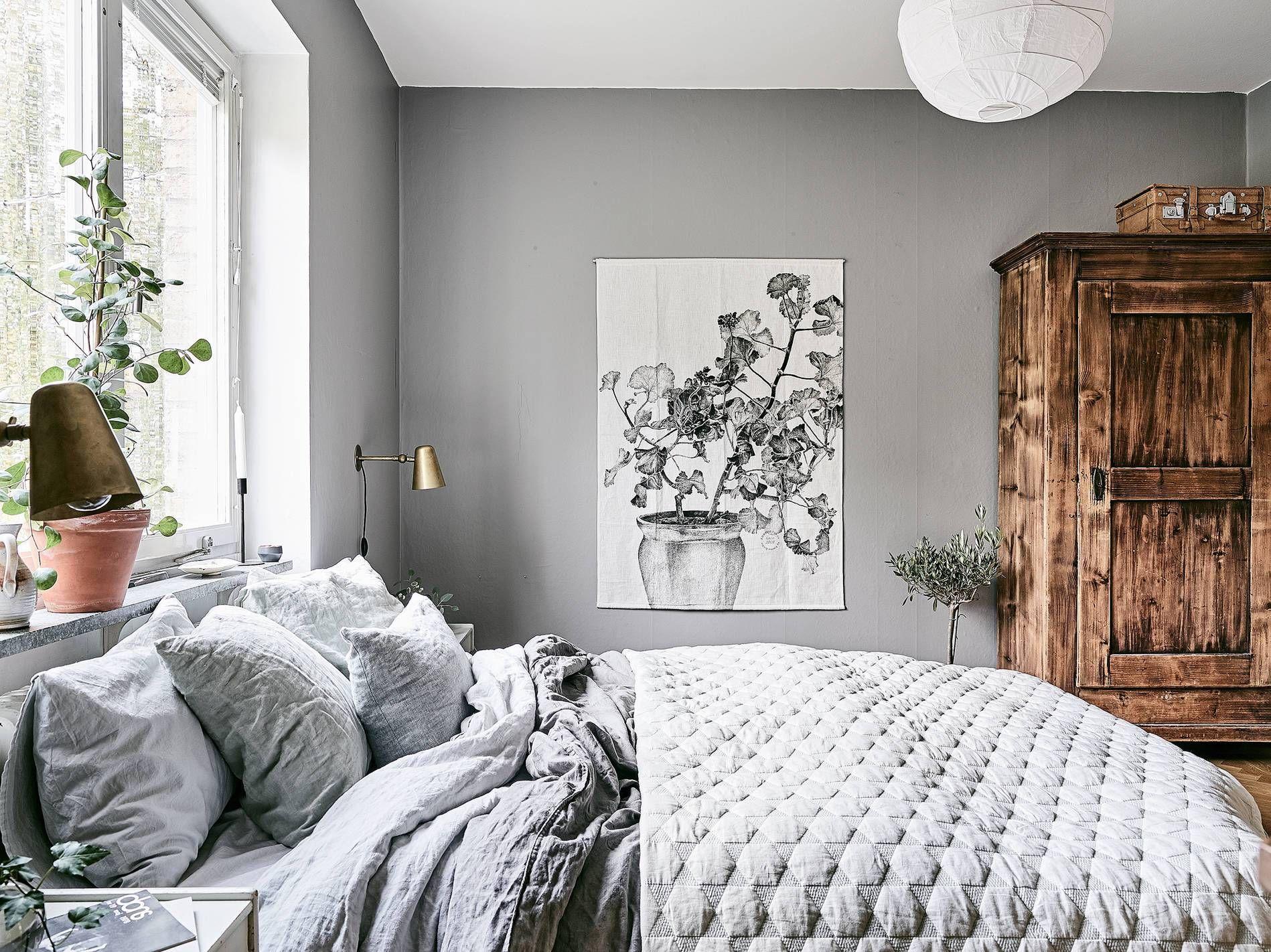 cozy bedroom in grey residential interiors cozy. Black Bedroom Furniture Sets. Home Design Ideas