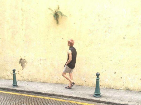 Junsu's photoshoot in Macau for SINGLES!