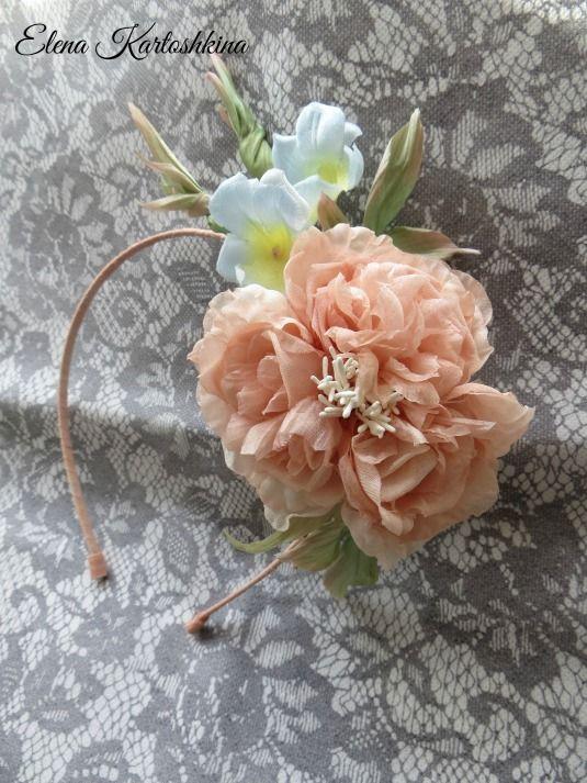 """Ободок """"Нежные чувства"""" в каталоге Аксессуары на Uniqhand - вечернее украшение, Свадьба, эксклюзивный подарок, шёлк"""
