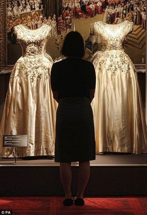 Regal elegance: New exhibition shows the sumptuous clothes worn at ...