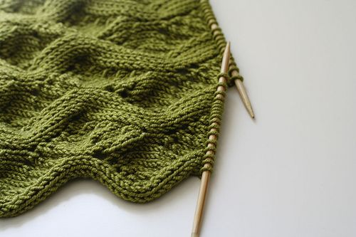 meandering vines - free pattern by Susanna/knitted by mistybliss