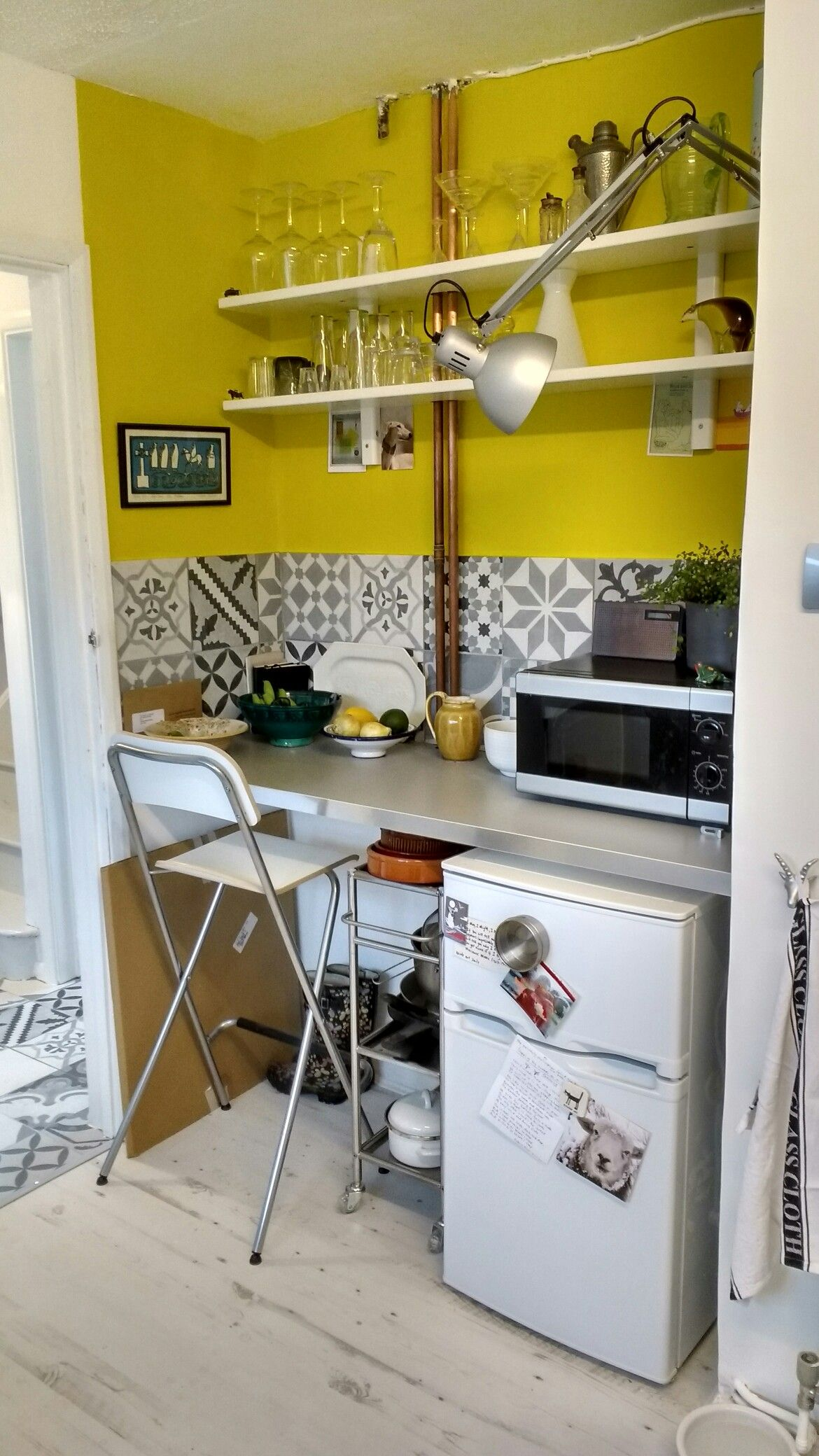 Kitchen alcove / nook grey and yellow. Tiles mono mix form ...